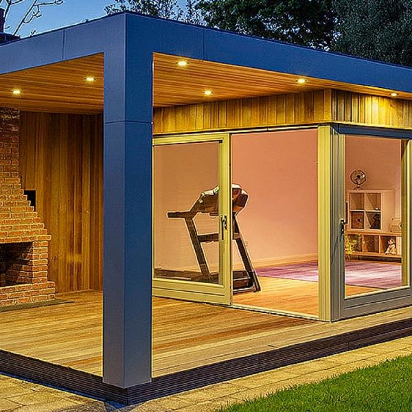 Garden room with a gym